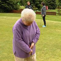 Warszawa (woj. mazowieckie): seniorzy jak juniorzy, czyli bezpłatne lekcje golfa