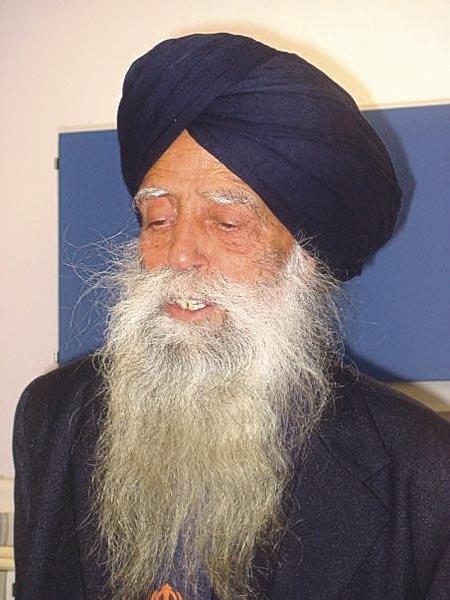 Fauja_Singh_in_2007