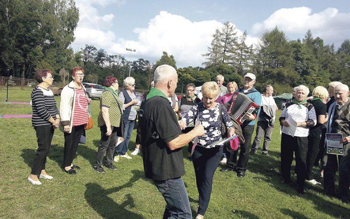 Seniorzy z Wojkowic zarażają optymizmem i motywują do aktywności