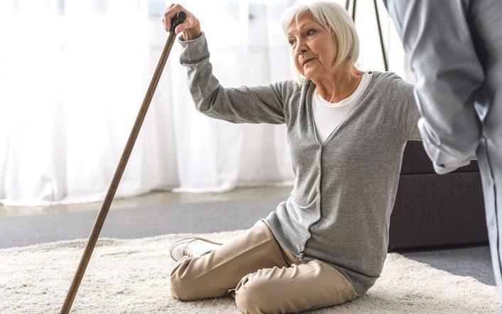 Upadki – aktywność pomaga seniorom ich uniknąć!